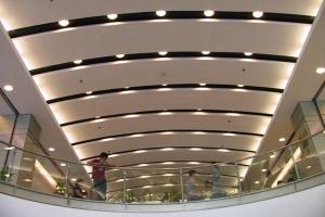 长条弧形铝单板吊顶