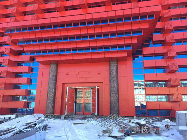 中式仿古风燕尾榫造型城楼红色氟碳外墙铝单板