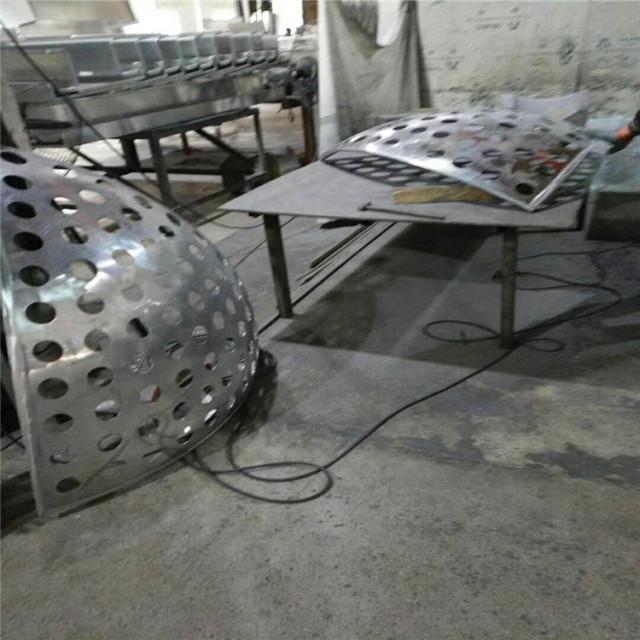 冲孔球形双曲铝单板