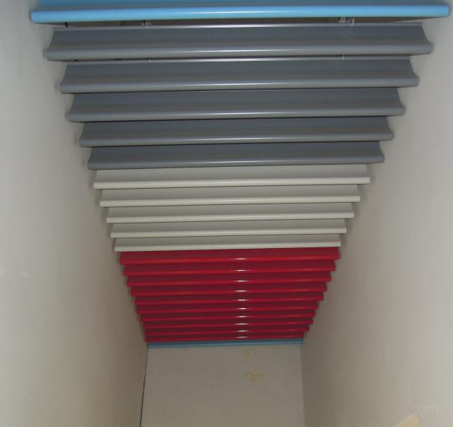 白色灰色红色蓝色高光喷粉烤漆滴水铝挂片