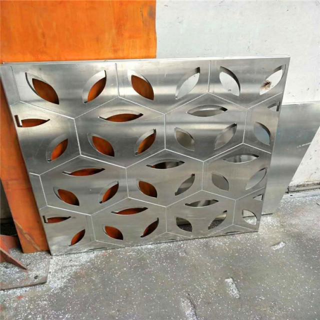 刨槽仿六边形纹理雕花铝单板
