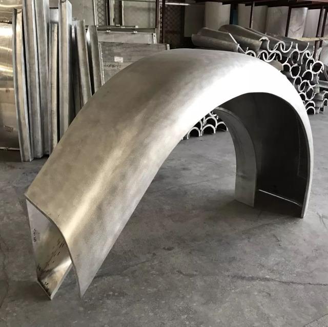 环形双曲铝单板拱桥造型