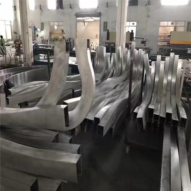 不规则弧形铝方通