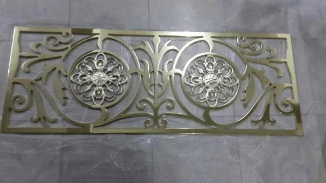 雕刻镂空镜面铝单板