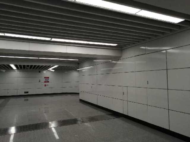 南昌地铁斗门站出入口吊顶铝圆管