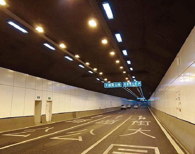 南京红山路隧道墙面烤瓷铝单板