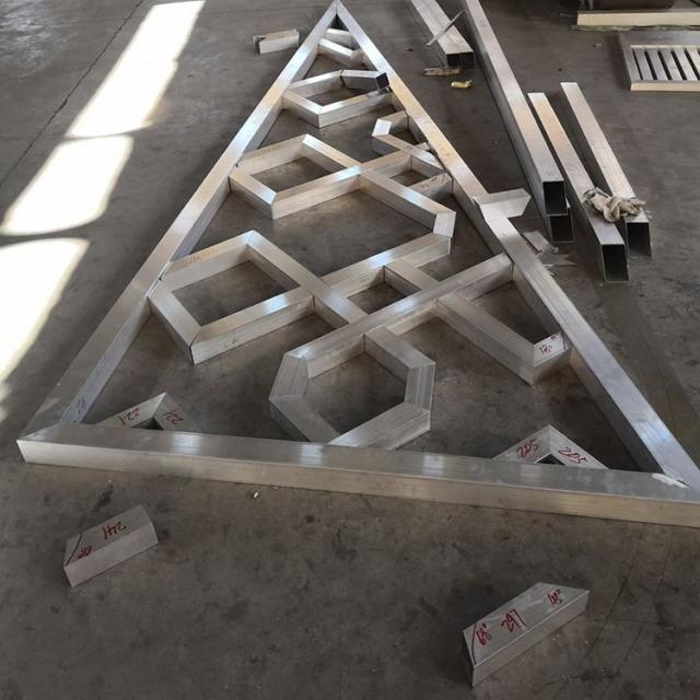 铝方管组合三角形铝窗花