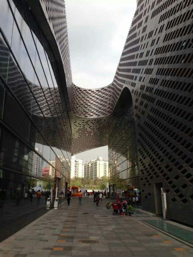 大型商场镂空造型外墙铝单板