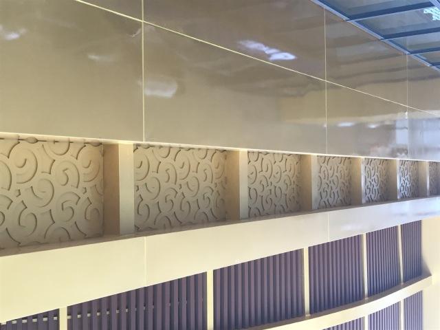 墙面立式铝方通格栅和雕花铝单板