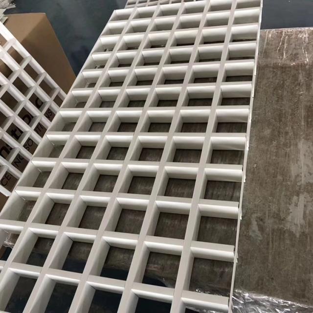 600*1200白色铝格栅吊顶单元格
