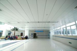 医院用300面C型铝条扣板