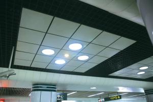 地铁站铝格栅和吊顶铝单板混合安装