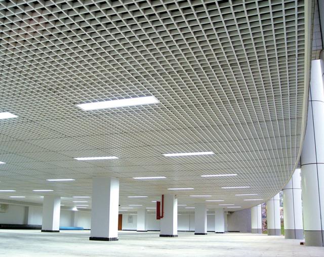 华南师范大学大学城校区图书馆地下停车场铝格栅吊顶