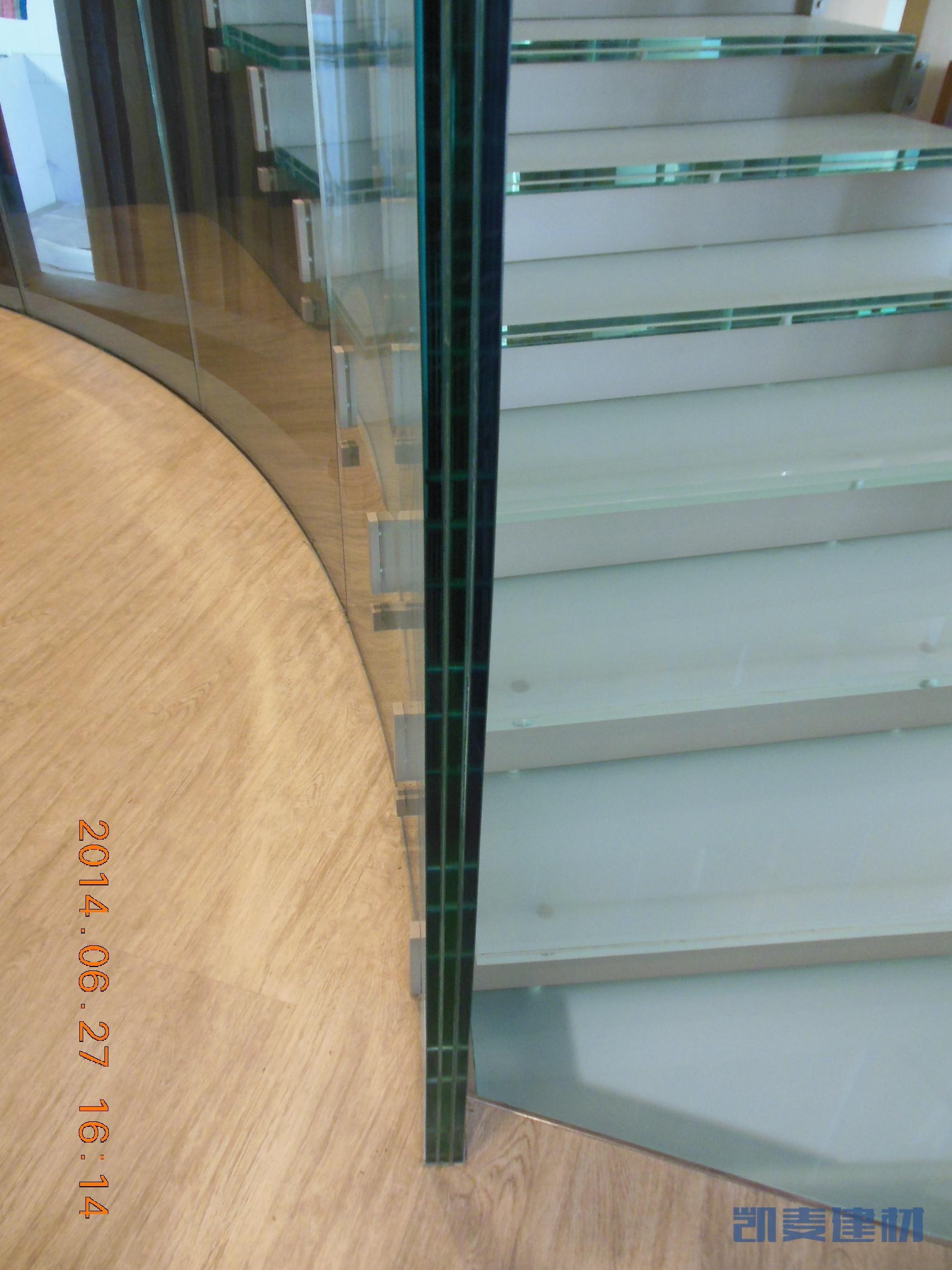 旋转楼梯玻璃细节
