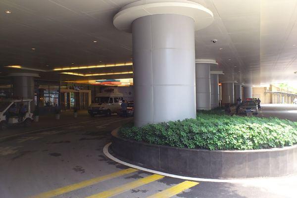 商场前门包柱铝单板