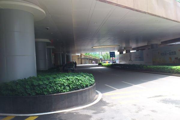 南宁万象城地下停车区吊顶铝单板