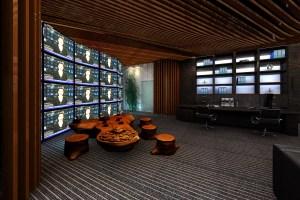 总裁办公室造型木纹铝方通