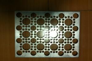 多孔径一体铝单板