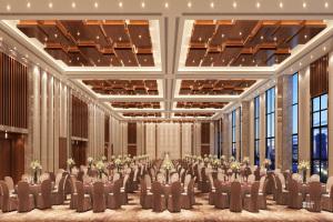 高级宴会厅仿木纹吊顶造型