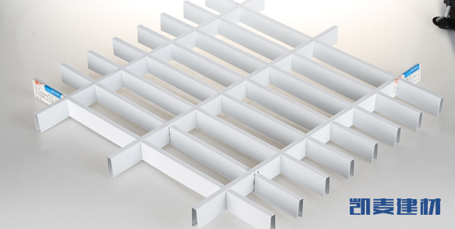 条形间隔_体育场所_幕墙铝单板_吊顶铝单板_铝方通_陶瓷/烤瓷铝板