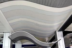 波浪造型冲孔铝单板吊顶