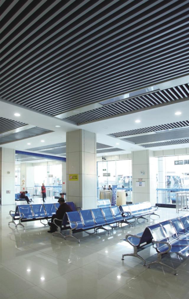 汽车站吊装铝方通型材