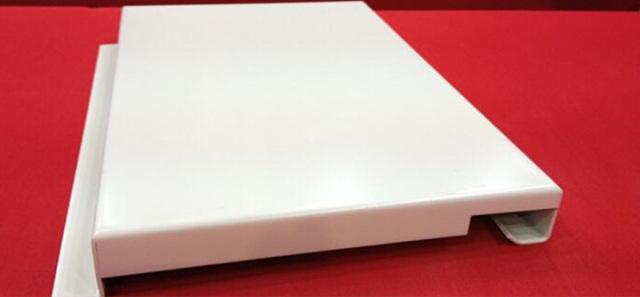 白色勾搭铝单板截面图