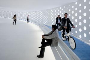 上海世博会丹麦馆--冲孔铝板墙壁+座椅自行车道一体化