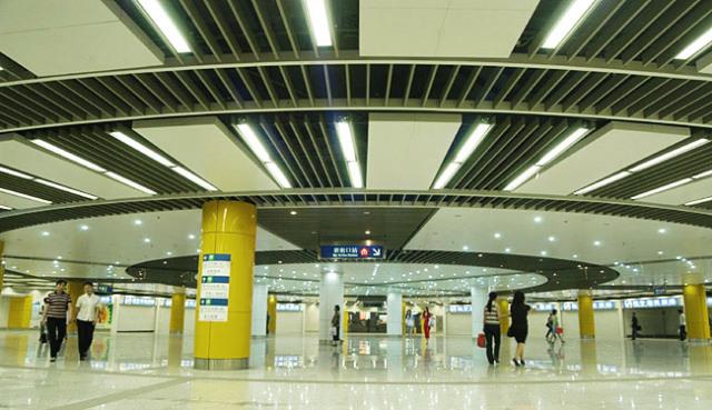 地铁站大堂铝方通环形安装