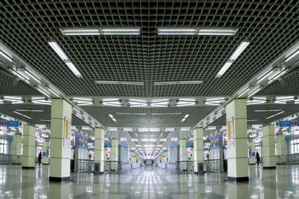 地铁站铝格栅吊顶