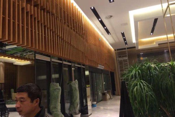 门头多种长度堆叠铝方通