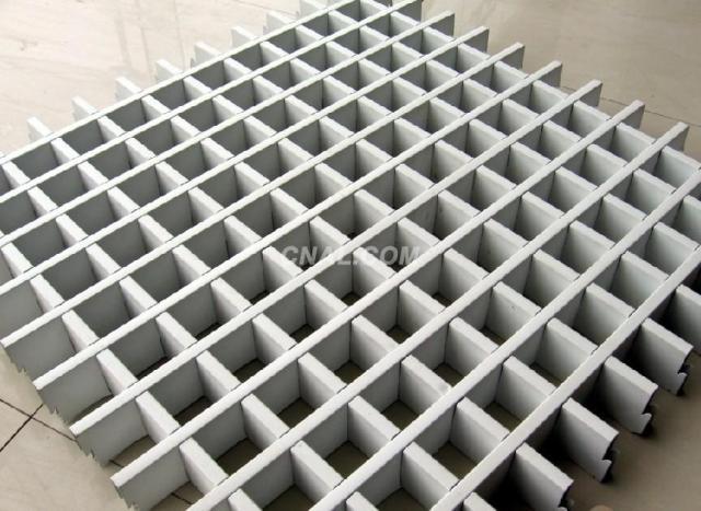 50*50间距铝格栅吊顶