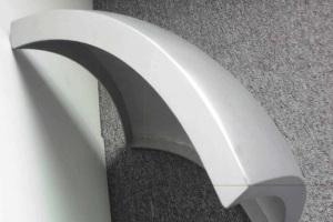 白色双曲双弧铝单板