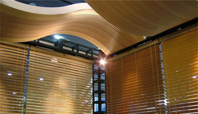 S形大波浪造型吊顶木纹铝单板