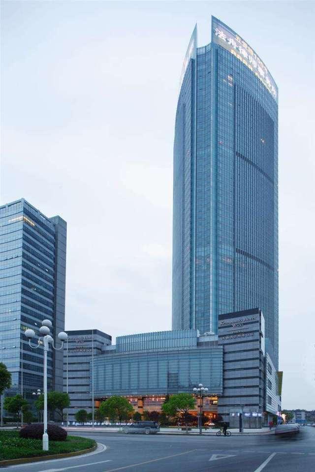 无锡润华国际大厦外墙铝单板金属框