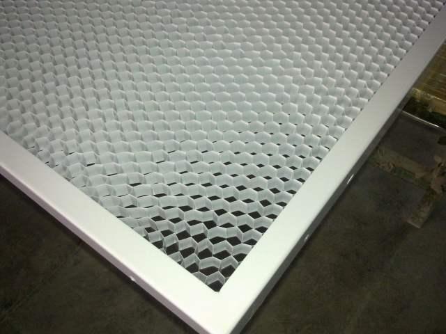 多孔吸音铝蜂窝板