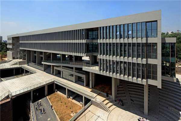 南京艺术学院图书馆外墙铝单板