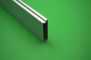 100*25凹槽铝方通型材