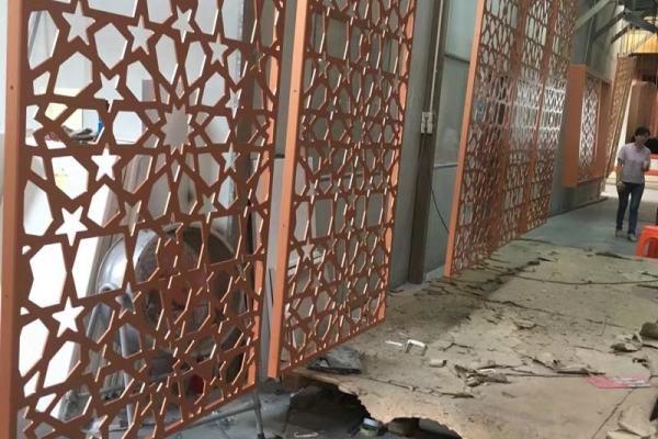 铝单板坯料喷涂底漆