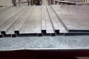 瓦楞铝单板
