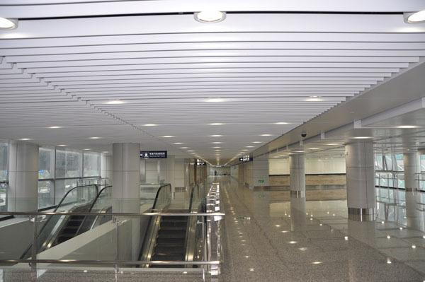 商场铝方通型材吊顶