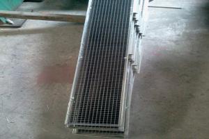 铝合金格栅地板