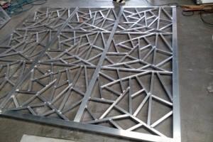 型材焊接铝窗花