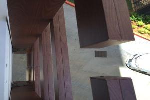 外墙立式铝格栅横向副龙平行安装