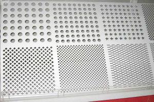 白色冲孔铝单板