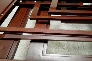 木纹色铝合金窗框