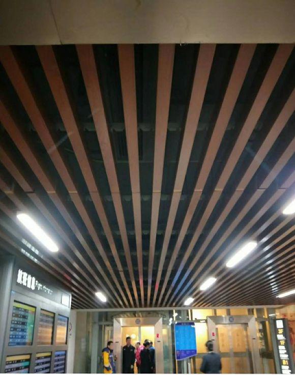 热转印木纹_收费站_幕墙铝单板_吊顶铝单板_铝方通_陶瓷/烤瓷铝板