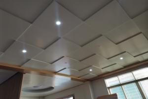 方形凹凸错位安装方式吊顶铝单板
