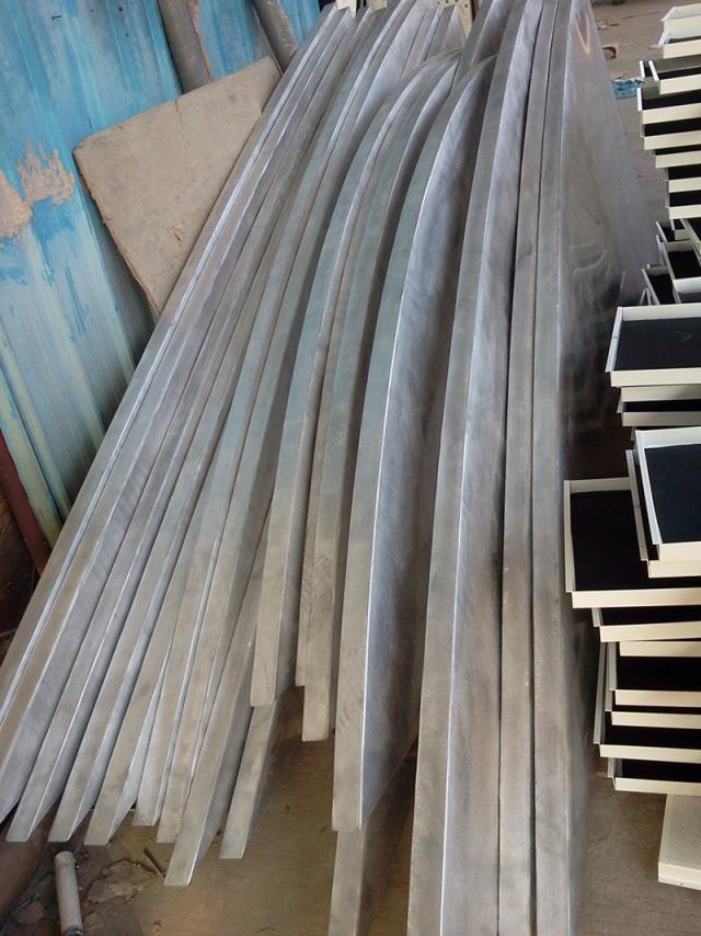 组合树形包柱和吊顶一体化的弧形铝单板