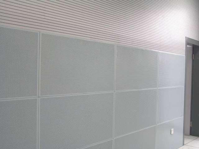 机房墙面安装铝扣板吸音板